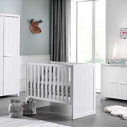 Maisonetstyles Lit bébé + commode + armoire 2 portes en pin blanc - VICKY