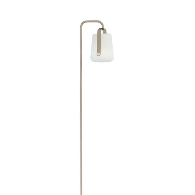 Fermob Lampadaire extérieur Fermob BALAD-Lampe nomade LED d'extérieur avec pied à planter H159cm Beige