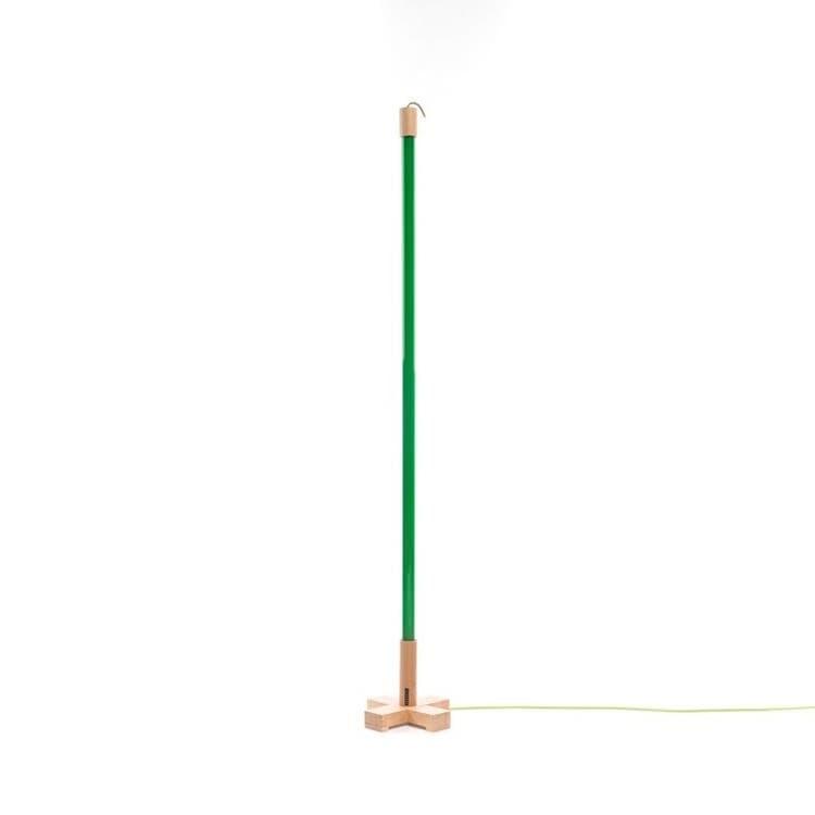Seletti Néon Seletti LINEA-Lampe baladeuse Néon LED avec base bois H140cm Vert