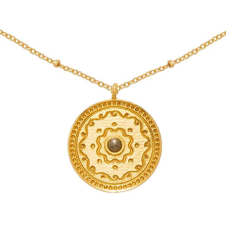 Jollia Collier médaille gravée et pierre pyrite (doré) - Une A Une