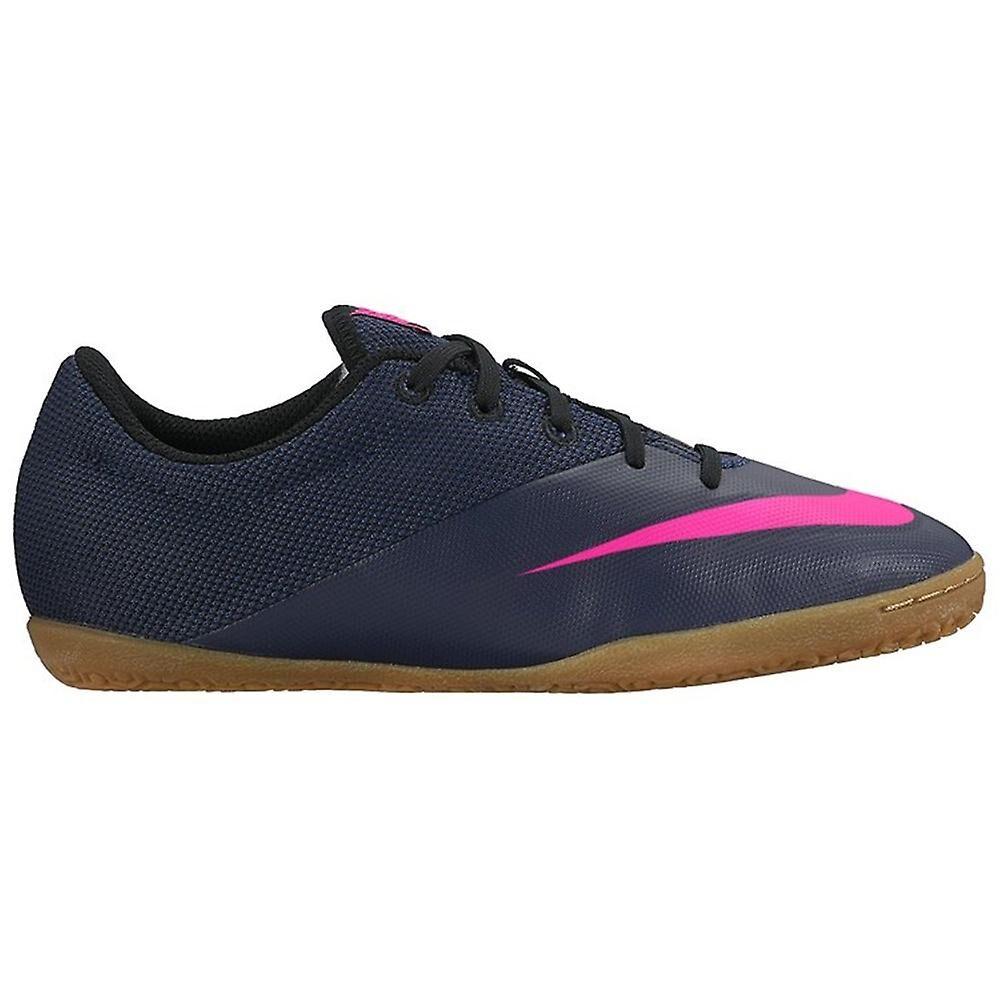 Nike Skate shoes enfant football...