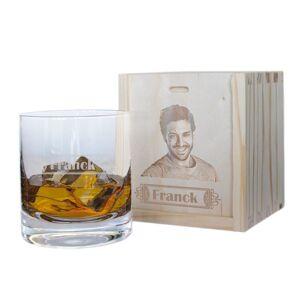 Amikado Verre à whisky prénom et son coffret photo - Publicité