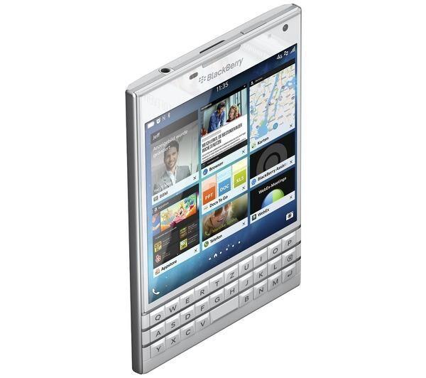 BLACKBERRY Passport Smartphone débloqué 4.5 pouces 32 Go