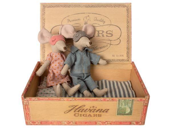 Maileg Maman & papa souris dans leur boîte à cigares -  15 cm