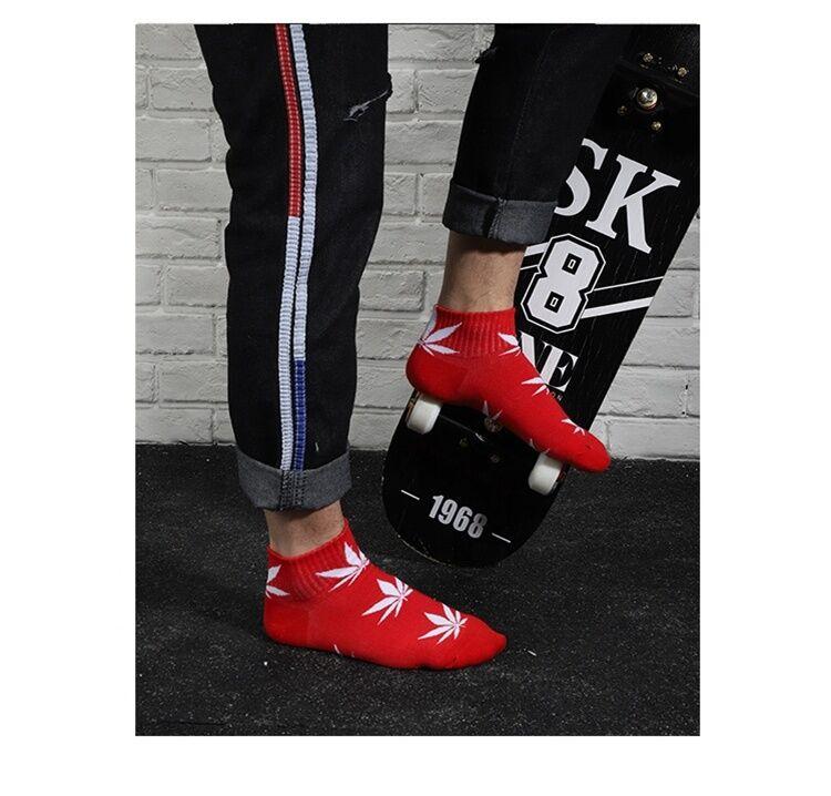 Quayee-chaussettes en coton pour femmes   Chaussettes personnalisées en feuille d'érable, pour hommes et femmes, vente en gros