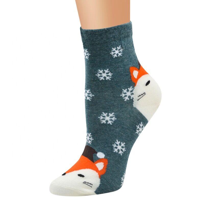 Chine chaussettes En Gros chaussettes Femmes nouvel an avec animaux de neige conception dame court tube chaussettes