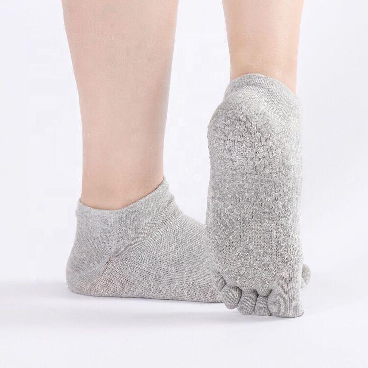 Quayee Personnalisé en gros coton peigné à bout plein Adhérente Yoga Chaussettes femmes