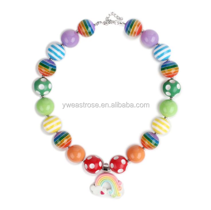 Joli arc-en-ciel chucky perle bébé bijoux populaire bubblegum collier fille
