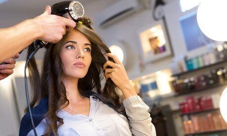 Infinity Hair Stylist Shampoing et brushing, en option, coupe couleur ton sur ton et balayage au salon Infinity Hair Stylist