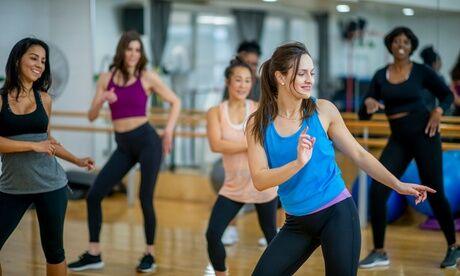 Sanaga Danse 2, 4 ou 6 cours de Zumba, en présentiel ou en ligne, avec l'association Sanaga danse