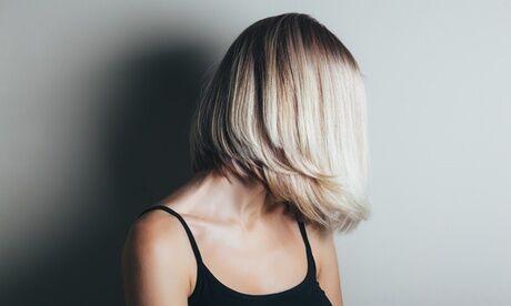 Hair Cosmétiques Shampoing, soin vapeur, coupe et brushing, option couleur ou mèches, au salon de coiffure Hair Cosmétiques
