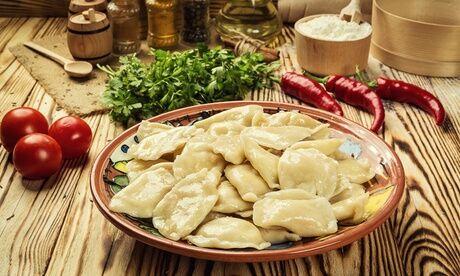 Le Petit Saint Petersbourg Menu en 2 ou 3 plats pour 1, 2 ou 4 personnes, en livraison ou à emporter, au restaurant Le Petit Saint-Pétersbourg