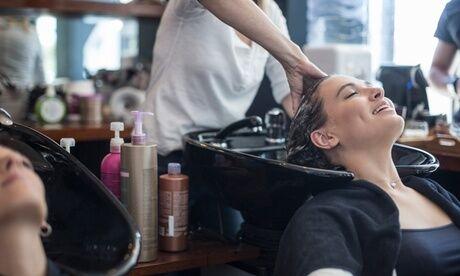 Beaute Enjoy Coupe, shampoing et brushing avec option coloration ou lissage kératine au salon Beaute Enjoy