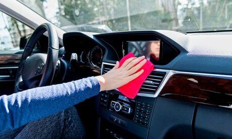 Plaza Automobile Services Traitement intérieur à l'ozone avec ou sans lavage main extérieur et intérieur et vapeur avec Plaza Autombile Services