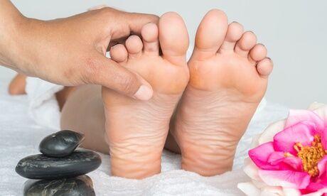 Le Bien-Être au féminin Pose de vernis semi permanent avec limage des ongles ou séance spa mains ou pieds à l'institut Le Bien-Être au féminin