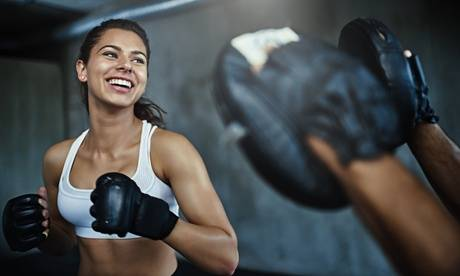 Kelly Bessis Programme d'entrainement HIIT BOXE avec Kelly Bessis