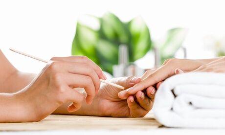 Glam Esthetique Pose de vernis semi-permanent mains/pieds d'1h ou beauté des mains d'1h30 avec option remplissage avec Glam Esthetique