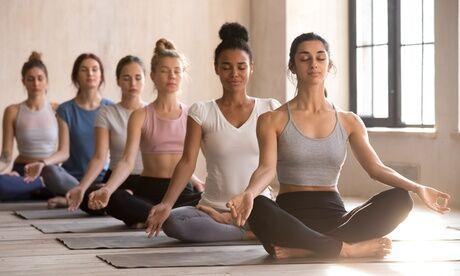 Glam Fitness Cours de yoga avec 3, 5 sessions ou forfait annuel avec Glam Fitness
