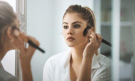 Yvannails Beauty Institut 1 cours d'auto-maquillage d'1h pour 1 ou 2 personnes avec Yvannails Beauty Institut