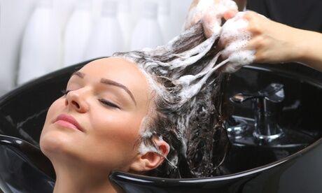 Soa Coiffure Shampoing, soin, coupe et brushing cheveux mi-longs ou longs et couleur ou mèches au salon Soa Coiffure