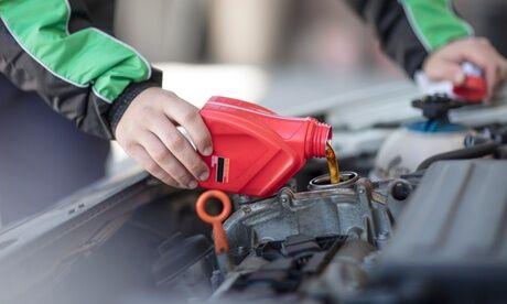 Global Services Auto Vidange avec changement filtre à huile bouchon huile 10W40, 5W40 ou 5W30 dès 39,90€ avec Global Services Auto