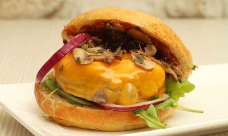 Le P'tit KB Menu burger maison ou salade (avec frites et boisson soft) pour 2, 3 ou 4 personnes au restaurant Le P'tit KB