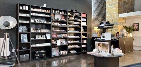 Lor's Make Up Cours de maquillage d'1H30 ou 3H Luxe Express & mini-brunch,option colorimétrie chez Lor's MakeUp L'atelier L