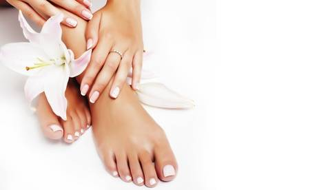 Bell'Attitude Pose de semi-permanent, beauté des pieds avec soins ou rehaussement de cils avec teinture avec Bell'Attitude