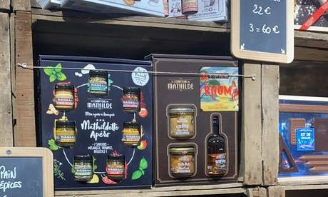 """Le Comptoir De Mathilde Bordeaux Coffret """"Hot Chocolate"""" avec mug de Noël ou cadeau gourmand au choix avec Le Comptoir De Mathilde Bordeaux"""