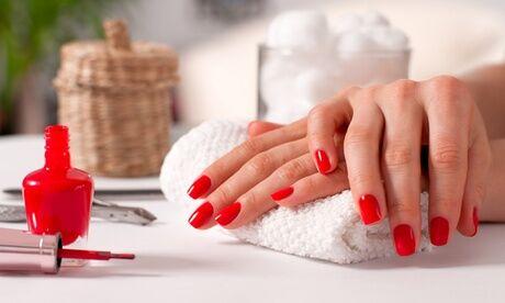 Estelle Vous Rend Belle Beauté des pieds/mains express/complète avec vernis semi-permanent couleur dès 19,90 € chez Estelle Vous Rend Belle