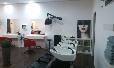 Coiffure Art Déco Soin capillaire à la kératine, coupe et brushing pour cheveux mi-longs au salon Coiffure Art Déco
