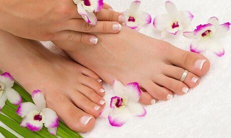 Mademoiselle Sabrina Pose de vernis semi-permanent avec beauté des mains ou des pieds express chez Mademoiselle Sabrina