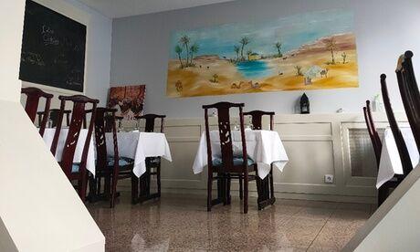 Au bon moment comme à la maison Couscous ou tajine avec thé à la menthe pour 2 ou 4 personnes au restaurant Au bon moment comme à la maison