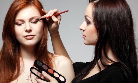 Beautissima Atelier maquillage personnel avec création de la ligne sourcils en option chez Beautissima