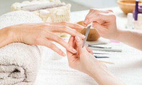 Beaute minute Beauté des mains/pieds simple ou mains complète, et vernis semi-permanent pour 1 pers. avec Beaute minute