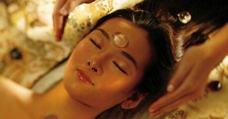 Sabaï Tiaï Beauty Soin du visage vegan/bio inspiré de l'ayurveda traitement Hydradermie complet, plantes pierres précieuses