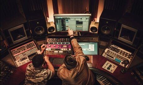 NEW TIME SONGS Enregistrement en studio d'1h, 2h ou 4h avec ingénieur du son et mixage pour 1 personne avec New Time Songs