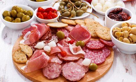 L'Artapas Planche de charcuterie et fromage espagnol avec sangria pour 2 ou 4 ou paella de la mer pour 8 àL'Artapas