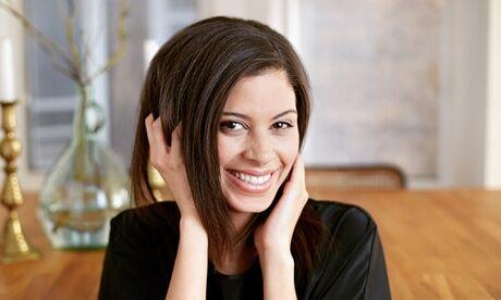 Les jolies Filles Shampoing, coupe et brushing, option couleur, pour cheveux courts et mi-longs, au salon Les jolies Filles