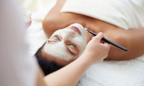 Connexion Minceur et bien-être Soin du visage Kobido avec option crème anti-âge ou soin du visage flash chez Connexion Minceur et bien-être