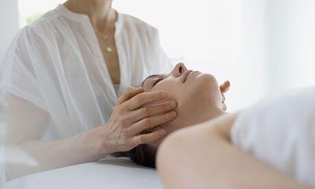 Epil&Beauté Soin anti-âge du visage et du cou à l'acide hyaluronique de 45 minutes à l'institut Epil&Beauté