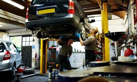 Occitane Auto Services Purge frein et embrayage ou géométrie et réglage du parallélisme au choix chez Occitane Auto Services