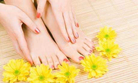Couleur Caramel Beauté des mains et/ou des pieds avec pose de vernis semi permanent chez Couleur Caramel
