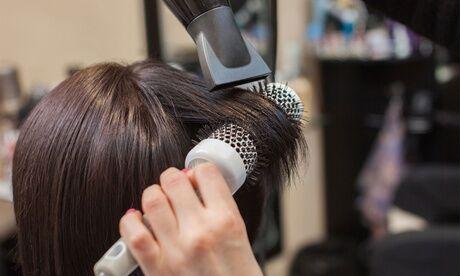 Look Center Shampoing, coupe, soin et brushing, avec ou sans couleur ou mèches sur cheveux courts pour 1 pers. au salon Look Center