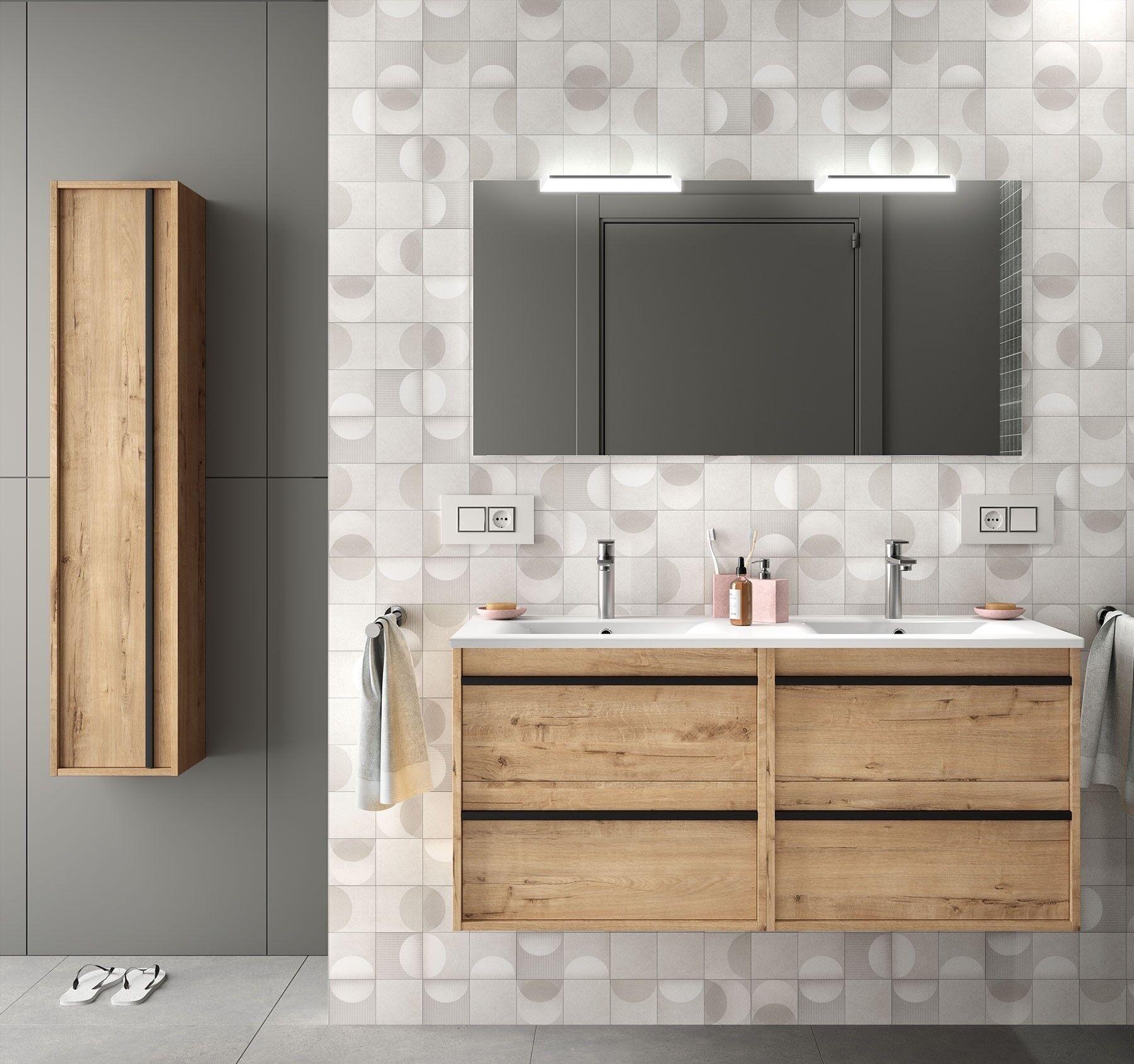 CAESAROO Meuble de salle de bain suspendu 120 cm en bois couleur chêne claire avec lavabo en porcelaine   Avec miroir, double colonne et double lampe LED