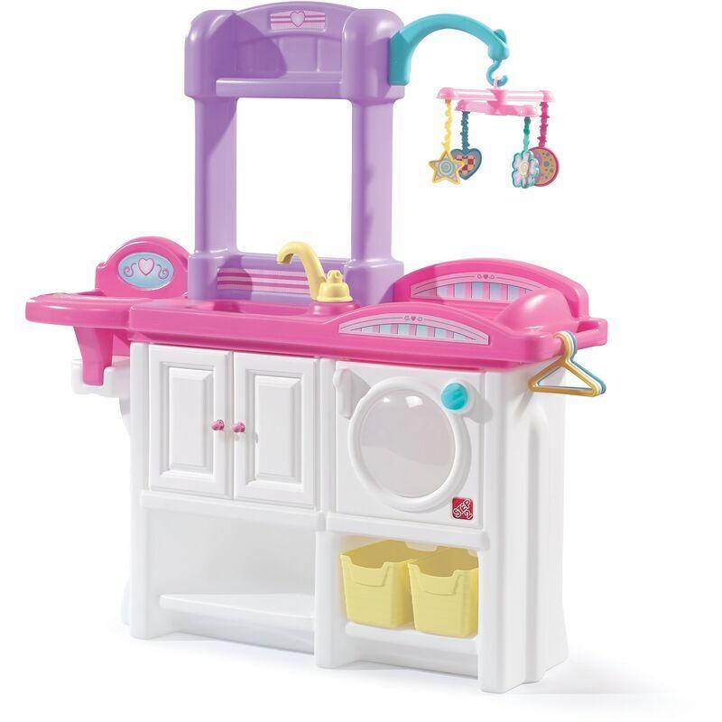 Step2 Love & Care Deluxe Chambre d'enfants pour pouppées   Avec berceau, siège bébé, machine à laver et accessoires (sauf poupée)   Jouet en plastique pour