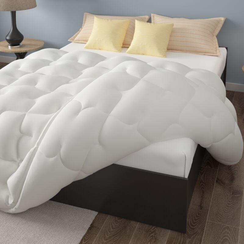 Pursens - Couette 140x200cm Grand froid - Garnissage fibre creuse haute densité 700g/m² - Traitement anti-acarien, bactérien, moisissures - BLANC