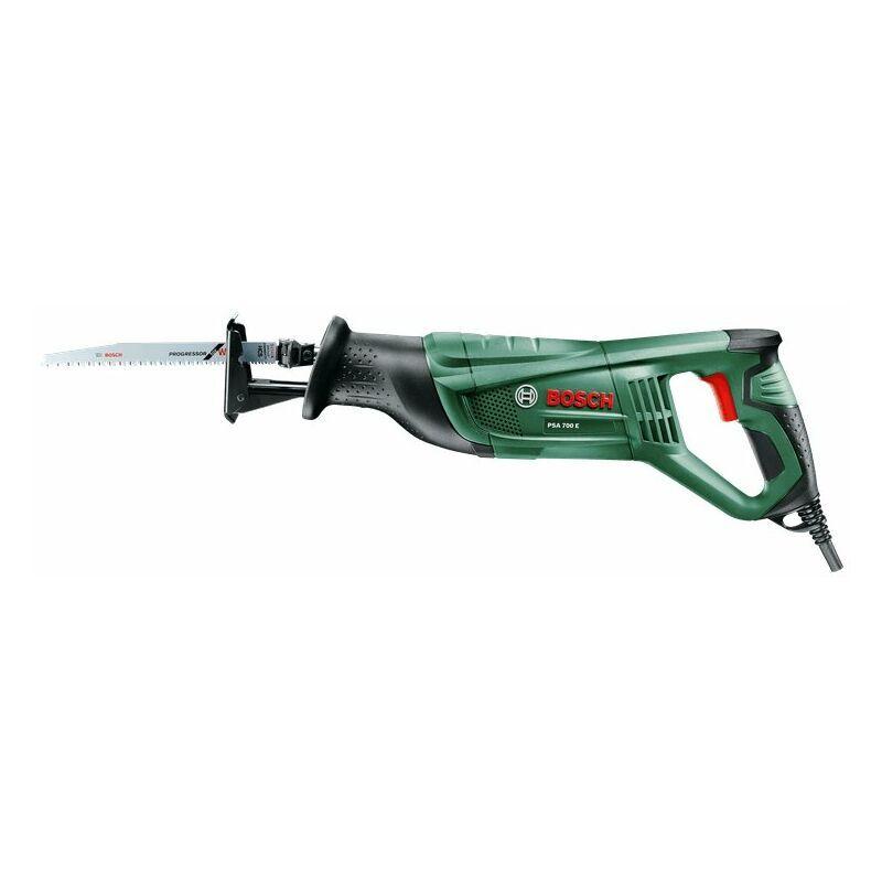 Bosch PSA 700 E - Scie sabre - incl 4 lames de scie - 710W