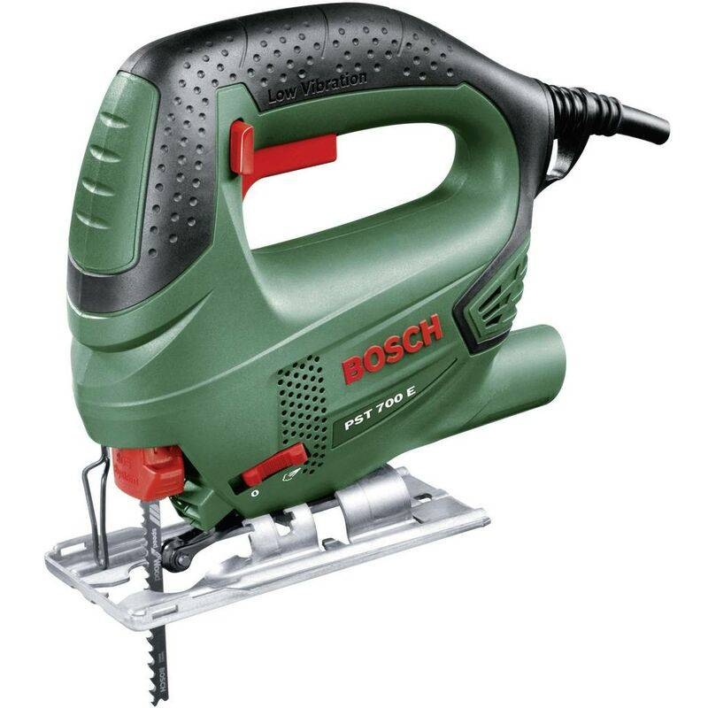 BOSCH HOME AND GARDEN Scie sauteuse Bosch Home and Garden PST 700 E 06033A0000 + mallette 500 W 1