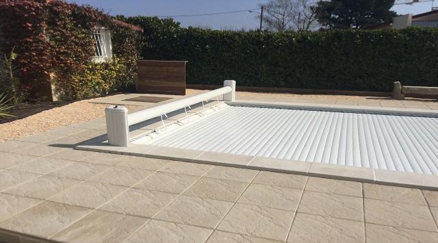NAO Volet de piscine sur mesure (hors sol fixe manuel) 5.5m x 4m